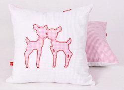 Sierkussen Hertjes pink